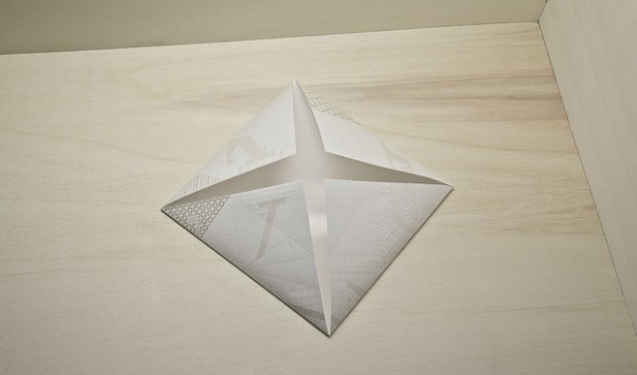 Louis Vuitton – Invitation Origami 03
